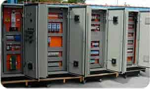 Montagem de quadro elétrico industrial