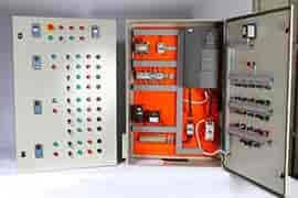 Painel elétrico de comando